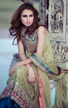 IT'S PG'LICIOUS  : LEHENGA DESIGNER LEHENGA INDIAN WEDDING INDIAN WEDDING PHOTOGRAPHY PAKISTANI FASHION WEDDING LEHENGA SAREE SARI TENA DURRANI DESIGNER
