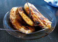 Pisang epe, pisang kepok bakar dgn topping sirup, gula merah atau madu dll, Pantai Losari, Makassar.