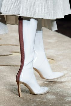 Fendi Fall 2019 Ready-to-Wear Fashion Show The complete Fendi Fall 2019 Ready-to-Wear fashion show now on Vogue Runway. Fendi Fall 2019 Ready-to-Wear Collection - Vogue Top Shoes, Wedge Shoes, Me Too Shoes, Shoe Wedges, Allbirds Shoes, Dress Shoes, Fendi, Bootie Boots, Shoe Boots