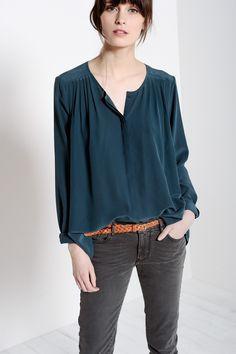 Chemise Gupinette Plume - Blouses et chemises - categories - e-shop. Frau  Mouchette · Crèpe de soie · Robe Kusmi tomette 100% viscose - robe Femme ... de5c424f3d7