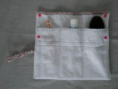 trousse de toilette éponge, pochette brosse à dents : Trousses par bebecoton