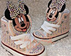 This Minnie Mouse Converse is just one of the custom, handmade pieces you'll find in our sneakers & athletic shoes shops. Cute Baby Shoes, Baby Girl Shoes, Kid Shoes, Girls Shoes, Zapatos Bling Bling, Bling Shoes, Bling Inverse, Converse Brillantes, Mickey Mouse Converse