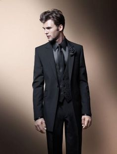 6e023271501 Fashion Style One Button Black Groom Tuxedos Groomsmen Men s Wedding Prom  Suits Bridegroom (Jacket+Pants+Vest+Tie)