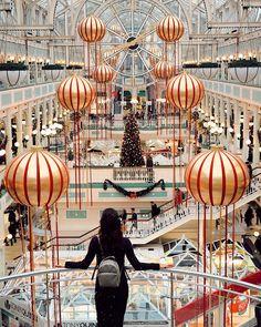 "〽️ARIANELA |Find Me On A Plane on Instagram: ""¿Estas list@ para navidad? 🎄🎁 • • #descubrirlanda #viajar #dublin #christmastree #travel #travelgram #loveireland #instaireland…"" Love Ireland, Dublin, Plane, Fair Grounds, Christmas Tree, Travel, Instagram, Xmas, Teal Christmas Tree"