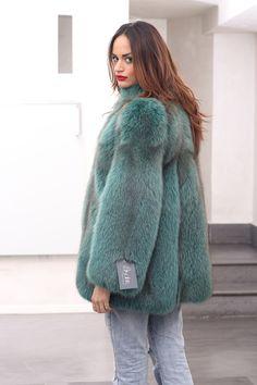 """Elegance is the only beauty that never fades"" From #FashionWeekMilano #Fox #Fur #Jacket, #MadeinItaly. http://www.jewelsandfurs.com/web/en/shop/fox/ef001818/ #Audrey #Hepburn #green #elegance #beauty #furs #fashion #furfashion #winter #pelliccia #furlove #fourrure #mode #мех #мода #luxury #style #love #amazing #beautiful #model #girl #outfit #shopping #jewelsandfurs"