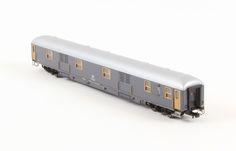 HR4224 Carrozza Bagagliaio UIC-X 1970, livrea grigio ardesia, FS New Price: 49.90 €  Buy now online http://www.hornby.it/hr4224.html