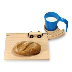 This set will make your breakfast really fun. The set contains a wooden plate ( 23 x 17 cm), a little train x 8 cm) and a cup and soucer x 8 x The cup forms a tunnel for the train. Connects to Breakfast Set, In Natura, Wooden Plates, Diy Woodworking, Kids Meals, Wooden Toys, Baby Gifts, Gadgets, Make It Yourself
