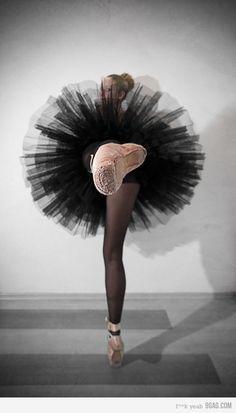 #photography #ballet #ballerina #dancers #dancing #pointe #shoes #pink #black #tutus #legs #balance #grey