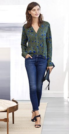 Refresh your look this fall with our chic blue and green earthy print notch collar blouse. Pair this lovely top with skinny jeans and heels for a desk to dinner ready look | Banana Republic