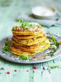 Leftover squash pancakes from Jamie Oliver - pancakes for dinner, or for right now. Veggie Recipes Healthy, Tasty Vegetarian Recipes, Vegetarian Dinners, Vegetable Recipes, Jamie Oliver, Savory Pancakes, Pumpkin Pancakes, Breakfast Pancakes, Roasted Squash