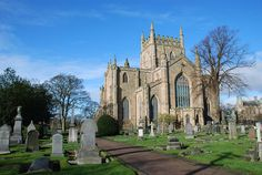 Early 2009 I have visited Dunfermline Abbey together with Bruce and Linda from Scotland of the Roadside and we were surprised to find a wee sign with an interesting text. The Abbey itself is very b… Scotland Castles, Fife Scotland, Princess Of England, Cool Places To Visit, Places To Go, Clan Castle, Cairngorms National Park, Sister Cities, Place Of Worship