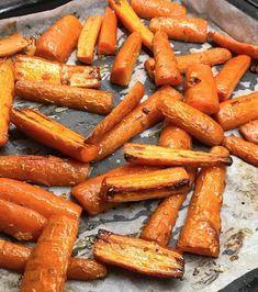 Rostade morötter med vitlök – magiskt gott, perfekt tillbehör till all mat och grillat!
