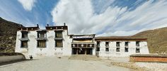 Short group tour to discover the holly city Lhasa and its numerous attractions.