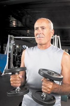 Preserve your muscle mass Harvard Men's Health Watch Declining muscle mass is part of aging, but that does not mean you are helpless to stop it. Fashion For Men Over 50, Harvard Health, Healthy Lifestyle Habits, Exercise Physiology, Muscle Protein, First Health, Healthy Aging, Lose 20 Pounds