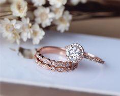 1ct Brilliant Moissanite Engagement Ring 3 Ring Set Solid 14K Rose Gold Wedding Ring Set Moissanite Ring Set Anniversary Ring Set von JulianStudio auf Etsy https://www.etsy.com/de/listing/218278001/1ct-brilliant-moissanite-engagement-ring