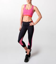 With a whopping 16% elastane this really is a Game Changing legging – super soft on the skin yet holds you in all the right places. The double depth waistband panel makes for a form flattering fit and ensures you feel secure around the belly. Flat sewn seams protect against chaffing and the hidden back pocket is perfect for stashing away your house key and some cash.