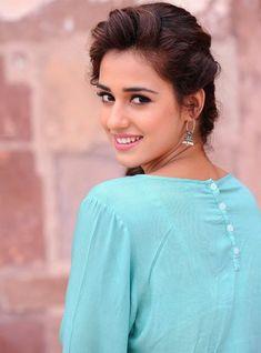 Cute pics of disha patni Indian Celebrities, Bollywood Celebrities, Bollywood Fashion, Beautiful Celebrities, Beautiful Actresses, Beautiful Women, Indian Bollywood, Beautiful Bollywood Actress, Beautiful Indian Actress