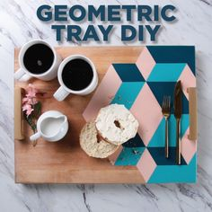 Druckbarer Kalender Oktober 2019 … - Diy and CraftsGeometry in the name of decor? That's a math lesson we can get behind. Geometry in the name of decor? That's a math lesson we can get behind.Nails diy video videos 27 ideas for outfi Cute Crafts, Creative Crafts, Diy And Crafts, Arts And Crafts, Diy Cutting Board, Creation Deco, Ideias Diy, Diy Videos, Cool Diy
