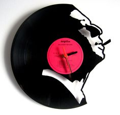 Laser cut vinyl clock - i dont understand how this clock has been laser cut when of the websites i looked on said to never laser cut vinyl records. Record Crafts, Record Art, Cnc Projects, Projects To Try, Lps, Laser Cutter Ideas, Old Vinyl Records, Digital Fabrication, Diy Clock