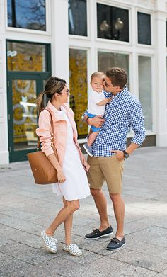 The Misconception About White family style hello fashion # Cute Family, Family Kids, Family Goals, Young Family, Fall Family, Family Outfits, Couple Outfits, Bag In Bag, Estilo Preppy