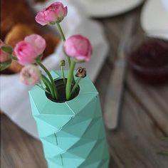Vase origami turquoise - Marie Claire Idées