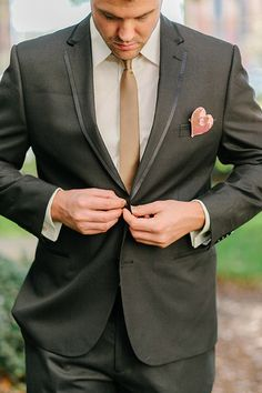 Adorable Heart #Boutonniere + Sleek Gold Tie I Catherine Ann Photography I #groom #groomstyle