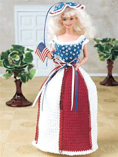 Independence Fashion Doll Outfit ~ a flag-waving, patriotic salute to the Fourth of July!  Oh some lucky little girl would LOVE this!  BEAUTIFUL!  FREE crochet pattern: To receive the pattern you need to be a member of the FreePattern.com (I am, but chose not to receive any emails from them ~ just like to go to the site, view and download ANY pattern I want...nice!)