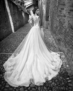 10-alessandra-rinaudo-ARAB15624IV-SILVIE-AR_CollezioneSposa2015-moda-sposa-2015-250-1-720x1100