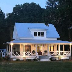 If you are looking for Farmhouse Exterior Design Ideas, You come to the right place. Below are the Farmhouse Exterior Design Ideas. This post about Farmhou. Modern Farmhouse Design, Modern Farmhouse Exterior, Farmhouse Homes, Simple Farmhouse Plans, Farmhouse Ideas, Farmhouse Decor, Modern Design, Farmhouse Style, Cottage Farmhouse