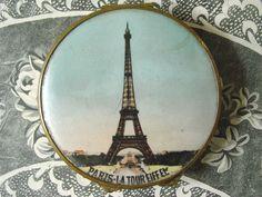 アンティーク エッフェル塔のパウダーコンパクト LA TOUR EIFFEL-PARIS