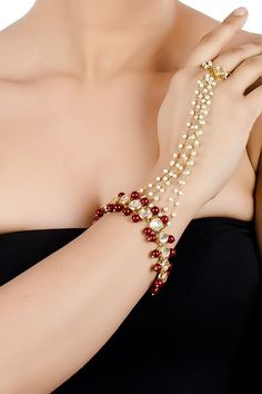 Classic jewelry - Are you researching for quality indian bridal jewelry, indian gold jewelry, plus indian jewelry houston,. CLICK Visit link for Silver Jewellery Indian, Indian Jewellery Design, Egyptian Jewelry, Indian Wedding Jewelry, Bridal Jewelry, Jewelry Design, Bridal Necklace, Indian Bridal, Stylish Jewelry
