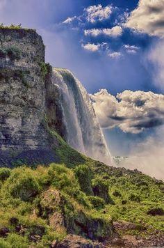 Water falls In United States -Start your trip at Niagara Falls Tourism