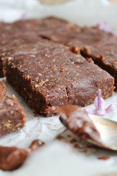 Le brownie cru… voilà une petite gourmandise saine à laquelle je n'avais pas encore succombé. Je...