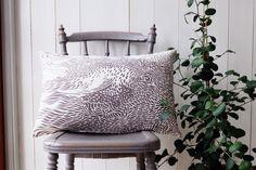 Stäpphöna cushion cover. Design: Emma von Brömssen