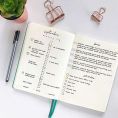Comment commencer un Bullet Journal ? Planner Bullet Journal, Bullet Journal Month, Bullet Journal Banner, Bullet Journal 2019, Bullet Journal Spread, Bullet Journal Layout, Bullet Journal Inspiration, Bullet Journals, Bullet Journal Minimalist