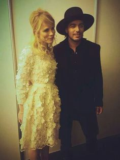 The Common Linnets: Ilse DeLange and Waylon