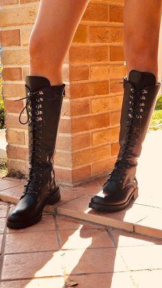 4a53484462 73 fantastiche immagini su Black Boots nel 2019 | Black boots, Biker ...