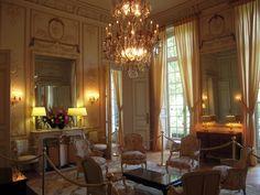 HOTEL DE NOIRMOUTIER -   Edifié par l'architecte Jean Courtonne pour Antoine-François de La Trémoille, duc de Noirmoutier en 1724.