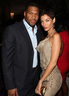 Michael Strahan and Nicole Murphy are tying the knot. I like this pair Famous Couples, Hot Couples, Black Couples, Couples In Love, Celebrity Couples, Celebrity Weddings, Celebrity Style, Power Couples, My Black Is Beautiful