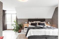 16 Cozy Bedroom Designs for Couples https://www.designlisticle.com/cozy-bedroom-designs-for-couples/