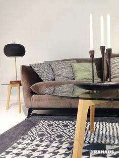MONOCHROMES BUNT #Sofa #Stil #Berlin #RAHAUS #Teppich #Couchtisch #Leuchte