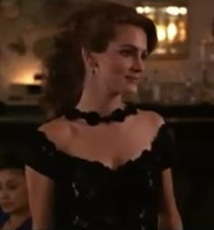 Always loved this look of Julia Roberts in Pretty Woman.Cocktail Dress | vivian julia roberts dons a gorgeous black lace cocktail dress