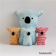 Koala softie (idea, no template or tute :( Fabric Toys, Fabric Crafts, Sewing Crafts, Sewing Projects, Tilda Toy, Fabric Animals, Toy Art, Sewing Dolls, Animal Pillows