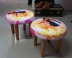 Lahdessa Saidan Verhoomo & Vintage valmisti PinkkiPörriäinen kankaastani ihanat jakkarat!