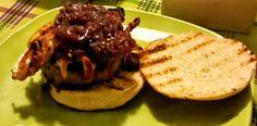 La fantasia in cucina: Hamburger di manzo con salsa aromatica