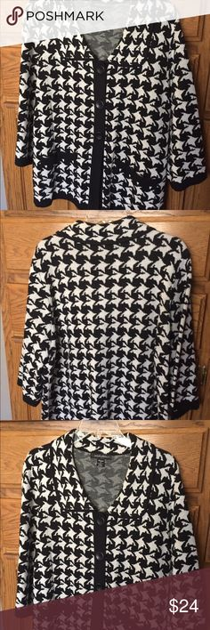 Sweater jacket houndstooth 1x Sweater-jacket, black/white houndstooth trimmed in black, size 1x.  Looks great on! designers original Jackets & Coats Blazers