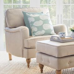 Choosing and Incorporating Armchairs Into Hamptons Design Interior Design Images, Office Interior Design, Office Interiors, Hamptons Style Homes, Hamptons Decor, Beach Sofa, Seat Cushion Foam, Decor Home Living Room, Living Rooms