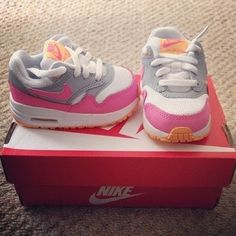 Nike air max for baby 💖✌️🙈 Cute Baby Shoes, Baby Girl Shoes, Girls Shoes, Nike Free Shoes, Nike Shoes Outlet, Nike Outfits, Adidas Outfit, Baby Girl Fashion, Kids Fashion