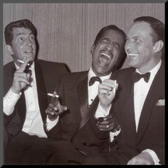 """The Rat Pack"" aka Dean Martin, Sammy Davis Jr. and Old Blue Eyes Himself - Frank Sinatra. I wish music was still this good. Sammy Davis Jr, Dean Martin, James Dean, The Rat Pack, Hollywood Glamour, Classic Hollywood, Old Hollywood, Joey Bishop, Franck Sinatra"