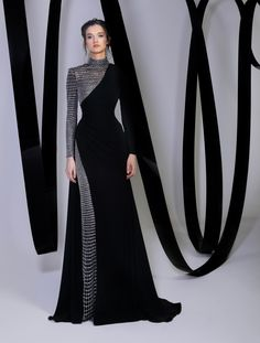 Stylish Dresses, Elegant Dresses, Pretty Dresses, Muslim Fashion, Hijab Fashion, Fashion Dresses, Classy Dress, Classy Outfits, Black Turtleneck Dress